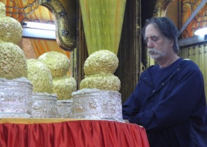 Buddhas encrusted with gold